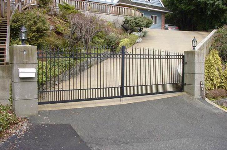 Driveway Gates – Hi Peak Railing & Gates Ltd